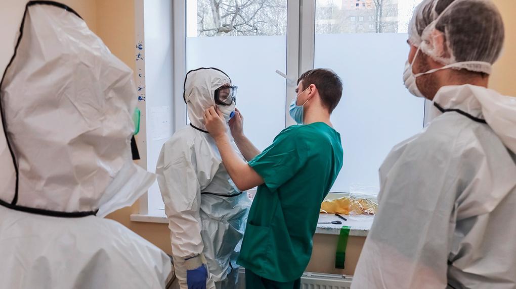 Каждый 15-й умерший от коронавируса – медик. Анна Попова рассказала о смертности врачей от Covid-19