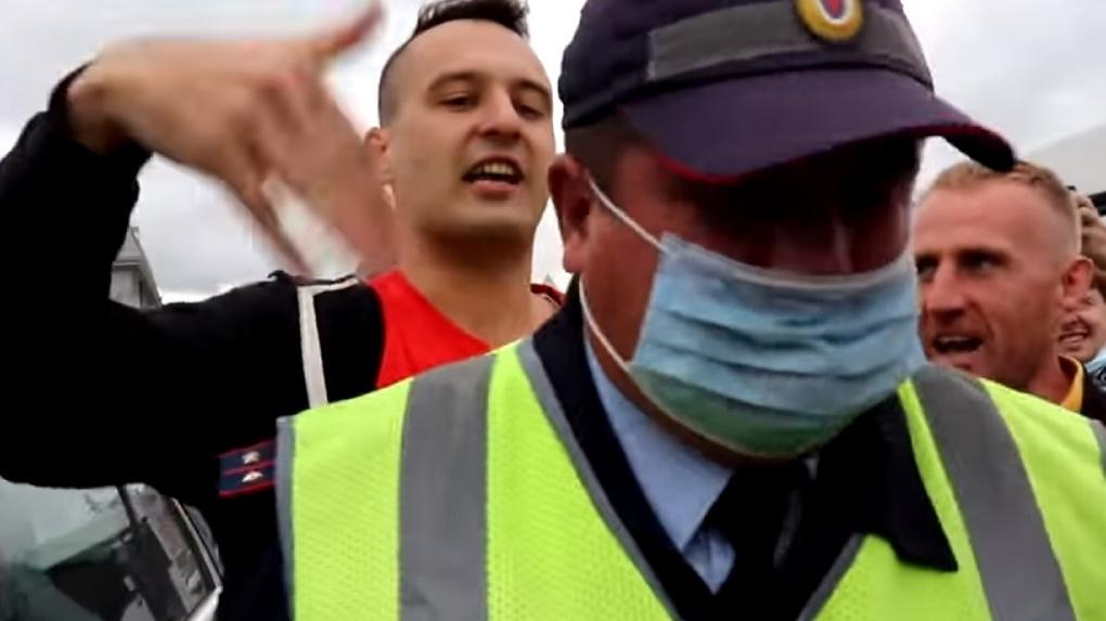 Полиции позор: протестующие в поддержку Фургала новосибирцы заставили правоохранителей отпустить водителя