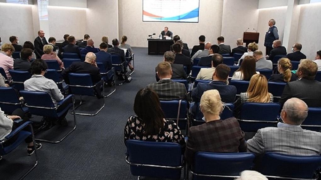 «Мы готовы принимать меры для развития бизнеса». Александр Бурков встретился с омскими предпринимателями