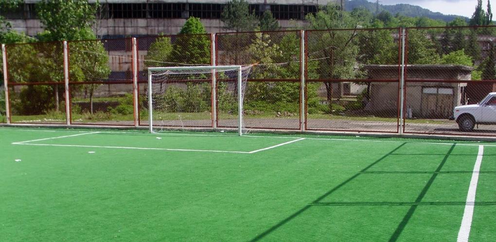 В «мертвом» парке 300-летия Омска построили мини-стадион