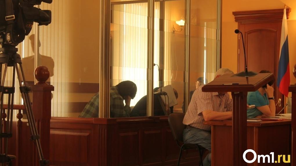 В Омске начали судить мать ребенка, которого морили голодом и подвергали нечеловеческим пыткам