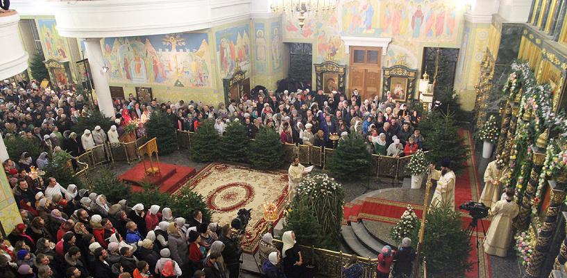 Православие и коммунизм: КПРФ предлагает перенести Новый год на «после поста»