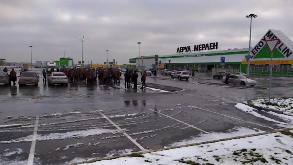 ЧП в «Леруа Мерлен»: новосибирцев эвакуировали из-за задымления
