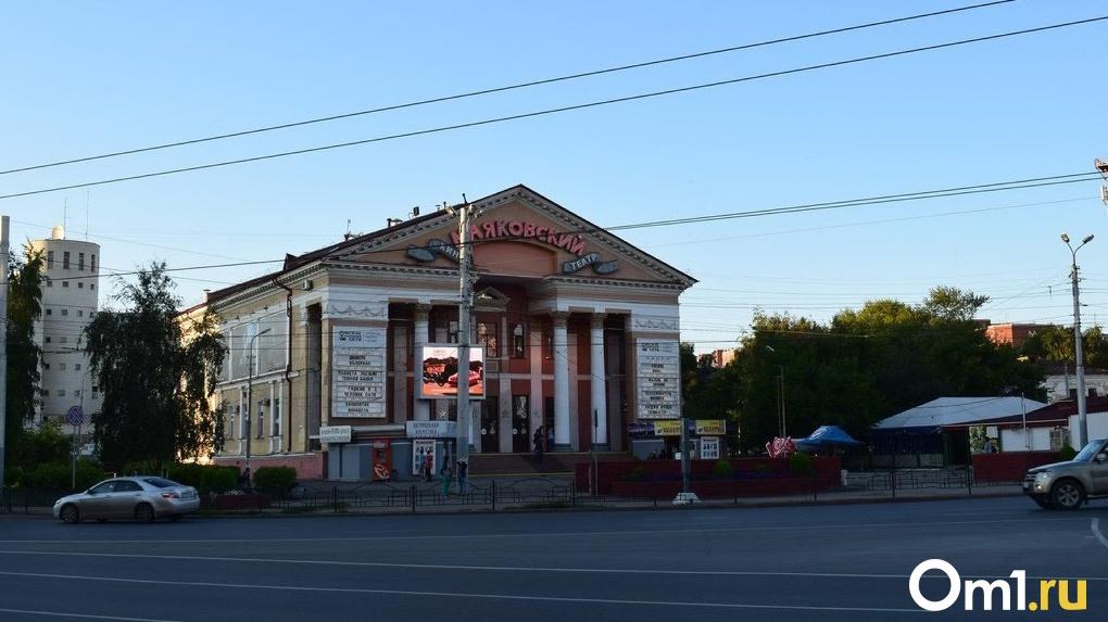 Бурков рассказал, когда в Омске откроются кинотеатры и фитнес-центры