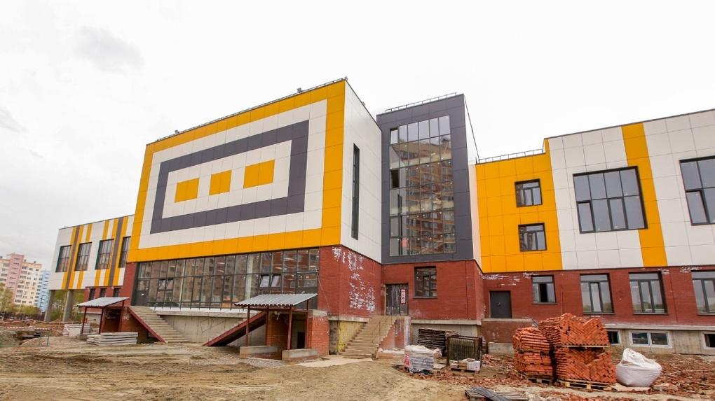 В новосибирском микрорайоне Родники откроют новую школу с музыкальным отделением