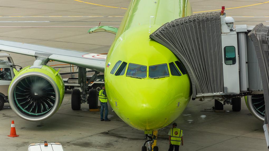 «Избежали авиакатастрофы»! Пассажиры рейса «Пекин-Новосибирск» рассказали о причине задержке самолёта