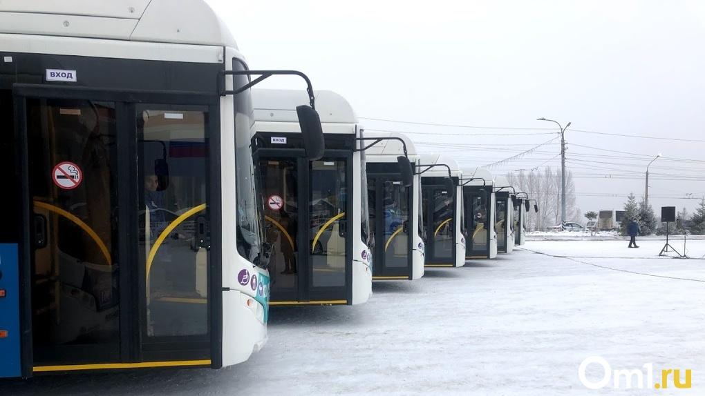 Заглянем в кошельки автобусным магнатам. Мэрия обнародовала зарплаты транспортных руководителей