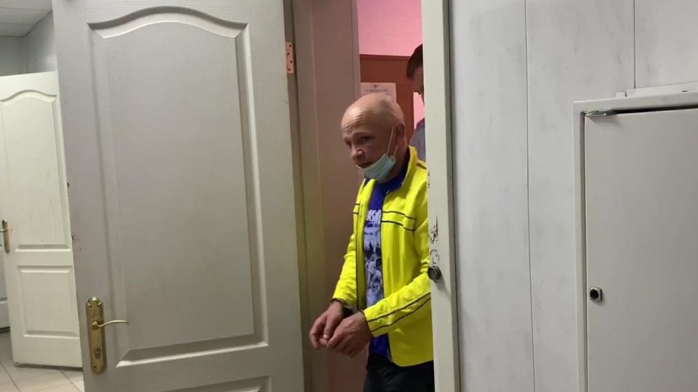 Появилось видео с задержания «левобережного маньяка» в Омске. Он не похож на фоторобот
