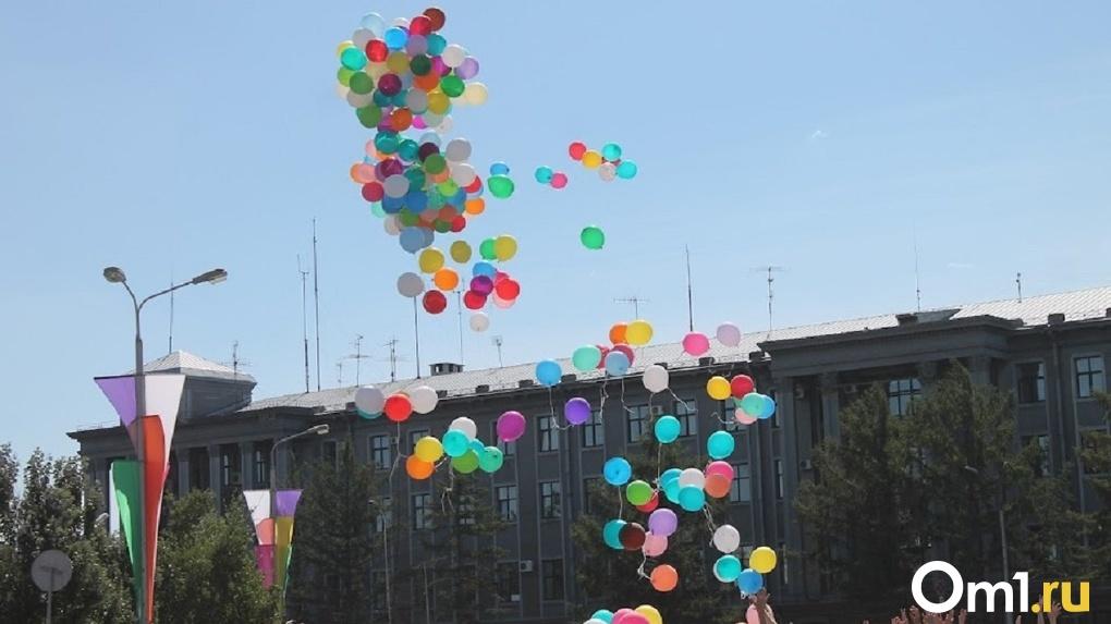 В Омске на четыре часа сократили праздничную программу Дня города