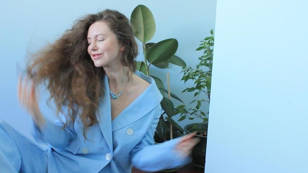 Сергей Безруков сделал причёску актрисе из Новосибирска