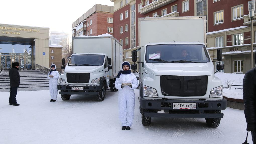 По Новосибирской области будут ездить шесть киноклубов на колёсах