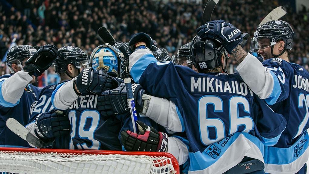 Хоккейный клуб «Сибирь» подписал контракты с четырьмя чемпионами