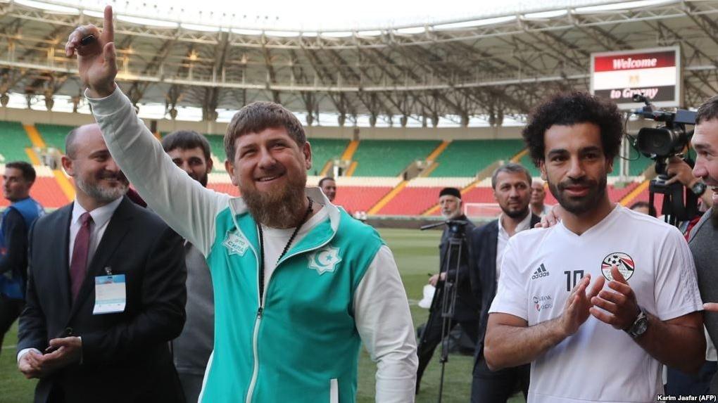 Рамзан Кадыров наградил футболиста, который забил гол сборной России