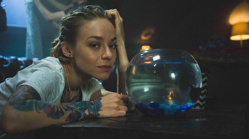 Актриса детективного сериала «Агентство О.К.О.» рассказала про Новосибирск, интуицию и татуировки