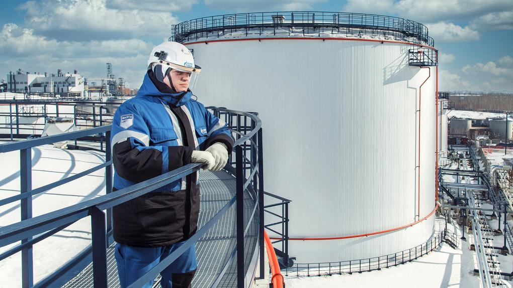 На Омском НПЗ монтируют биологические очистные сооружения «Биосфера»