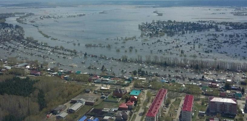 В Омске из-за сбросов из Казахстана Иртыш начал топить дачи и набережную