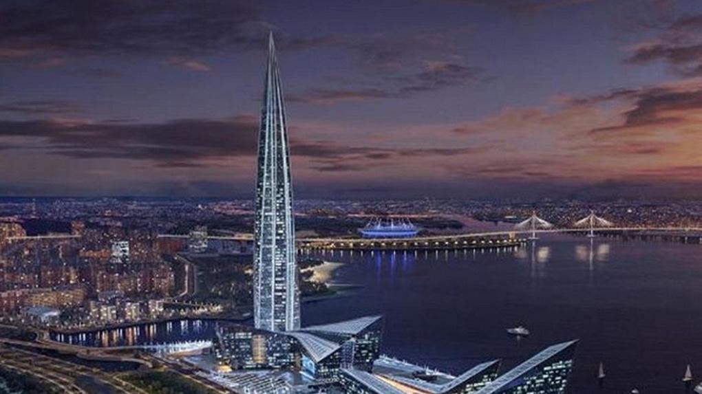 Бесстрашный новосибирский руфер залез на верхушку самого высокого небоскрёба Европы