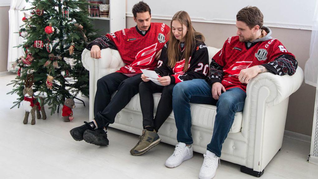 Шведские легионеры «Авангарда» исполнили новогоднюю мечту юной омички