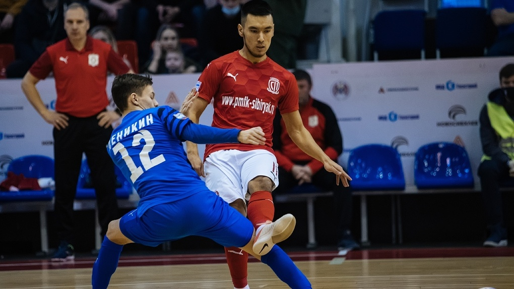 Новосибирская команда по мини-футболу «Сибиряк» провела все домашние матчи без поражений