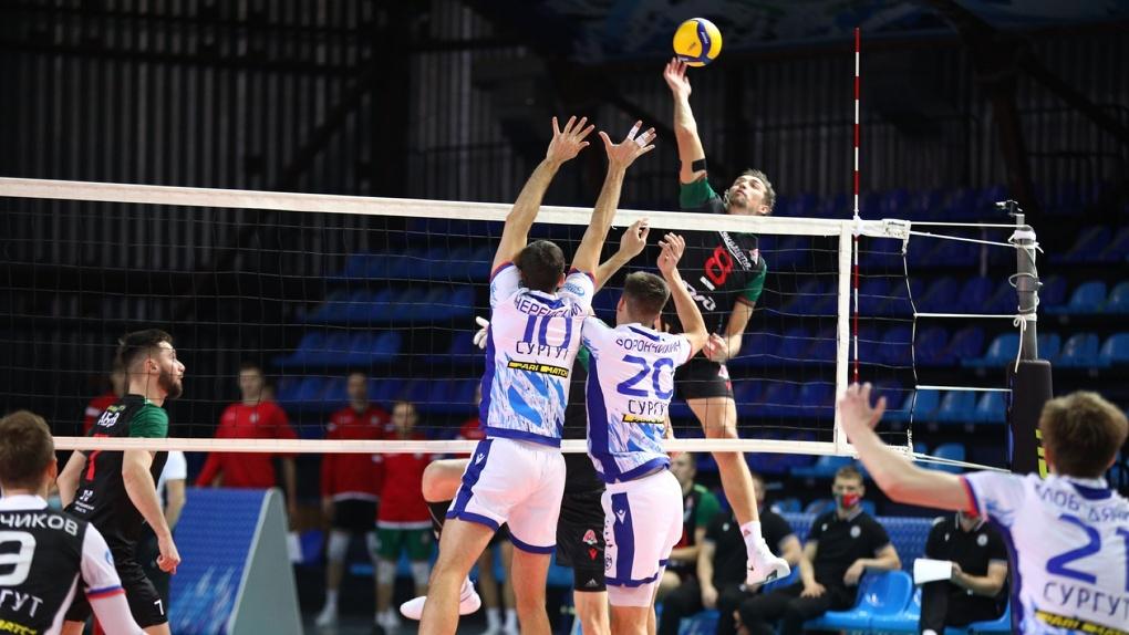 Новосибирский волейбольный «Локомотив» одержал победу над сургутским «Газпром-Югра»