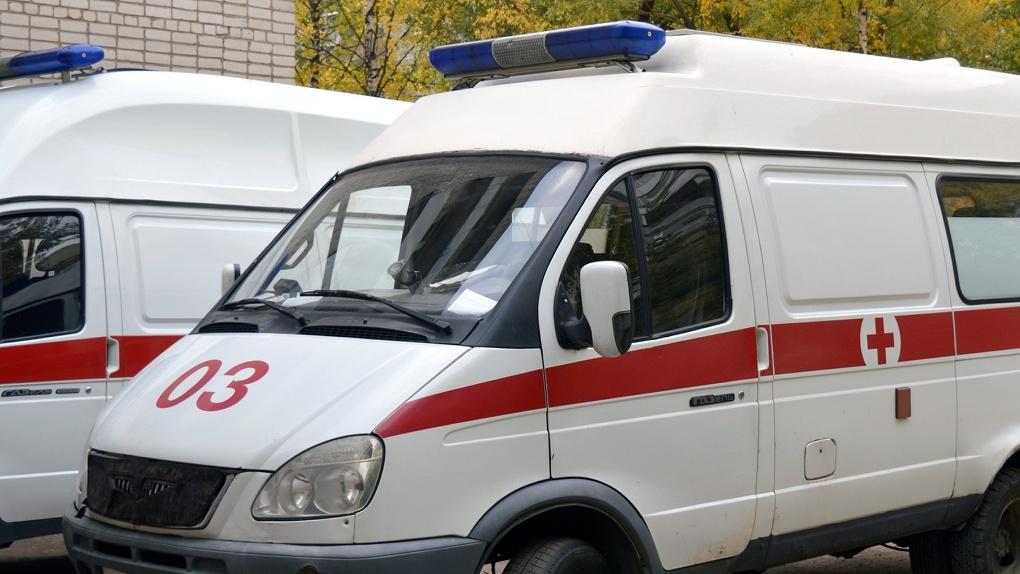 Увезли с сотрясением головного мозга: в Новосибирске серьёзно пострадала девочка на скутере
