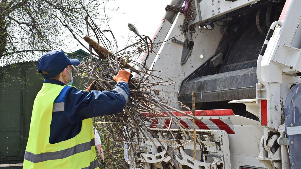 Жителей Омской области будут штрафовать за неправильно выброшенный мусор