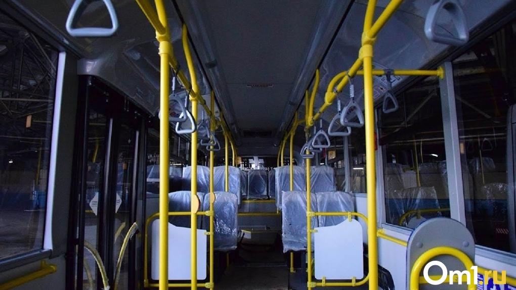 Омские перевозчики намерены повысить стоимость проезда на маршрутах с регулируемым тарифом