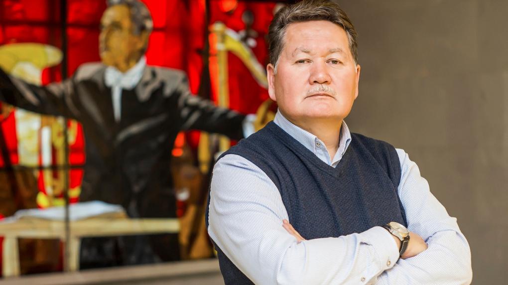 Гендиректор новосибирской филармонии Бейбит Мухамедин заявил об увольнении