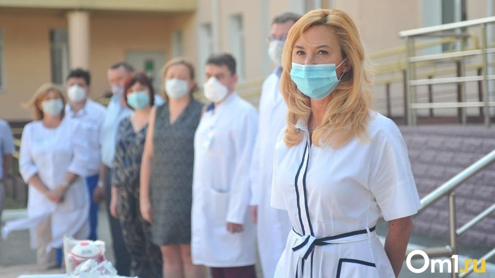 «Дикий кашель невозможно забыть»: омичка написала Солдатовой в Instagram и к ней выехала скорая