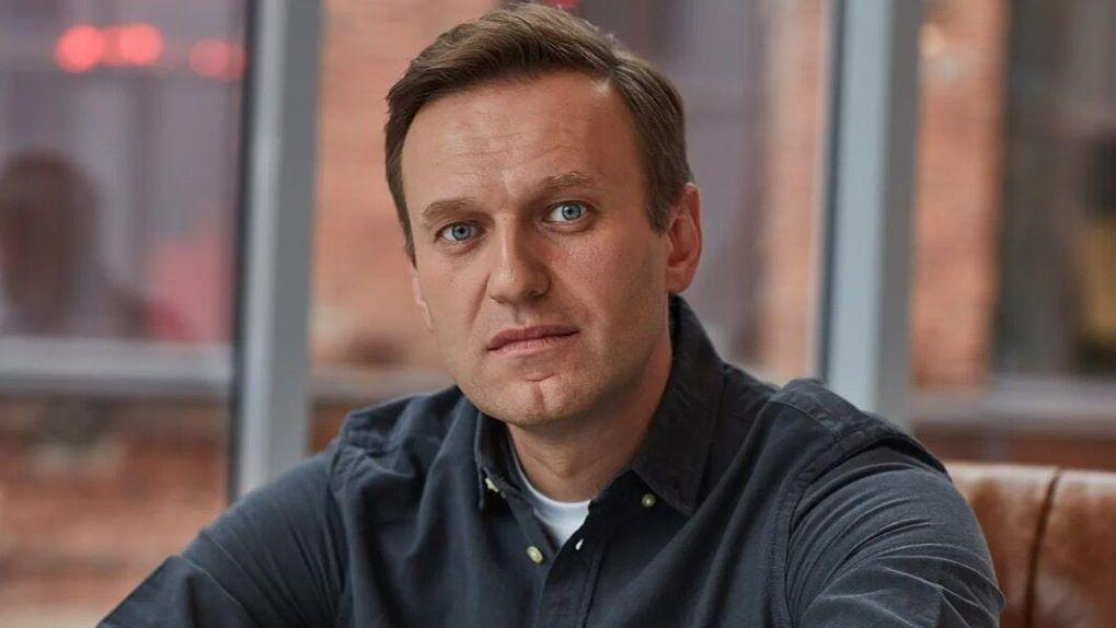 В Германии объяснили спасение Навального верными действиями пилота и омских врачей