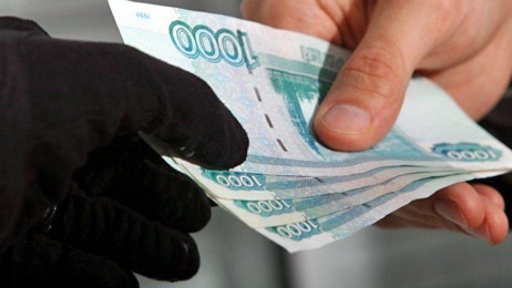 «Вывозили на кладбища и вымогали деньги»: в Новосибирской области задержали восьмерых рэкетиров