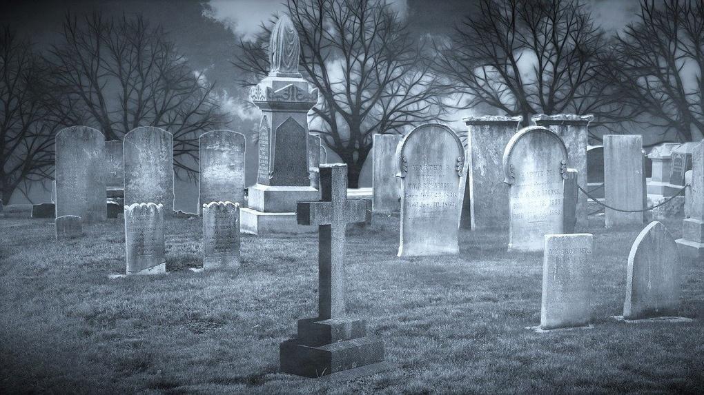 На омских кладбищах не хватает урн