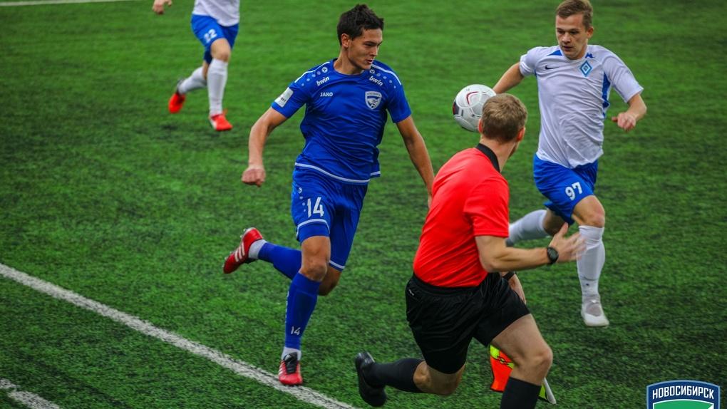 Футбольный клуб «Новосибирск» всухую выиграл последний матч первой части чемпионата ПФЛ