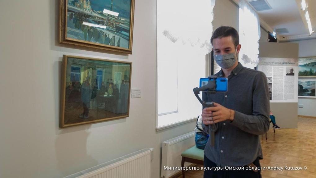 Раз в десять лет: в Омске показали работы одного из самых знаменитых художников Сибири