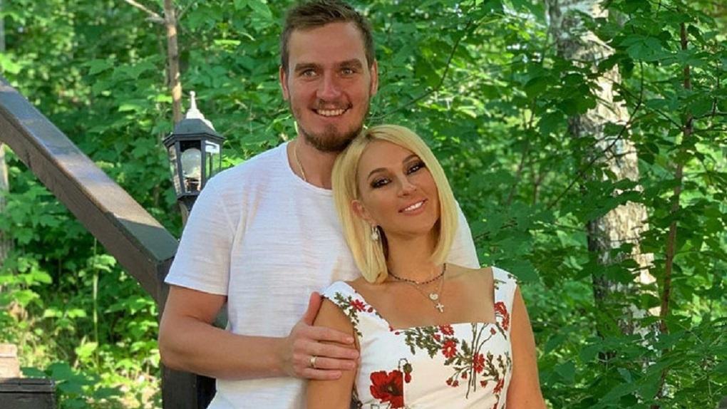 Хоккеист Игорь Макаров оставил супругу Леру Кудрявцеву ради команды «Сибирь»