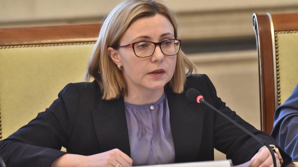 Замминистра здравоохранения Новосибирской области ушла на больничный, у неё подозревают COVID-19