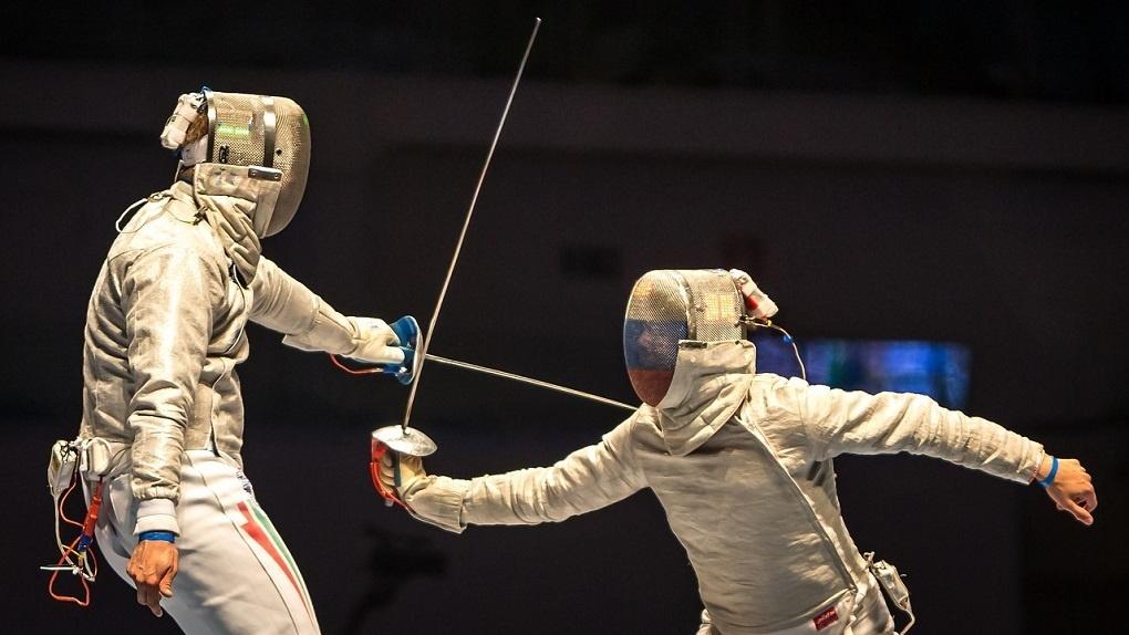 Из-за коронавируса Чемпионат России по фехтованию в Новосибирске перенесли на следующий год