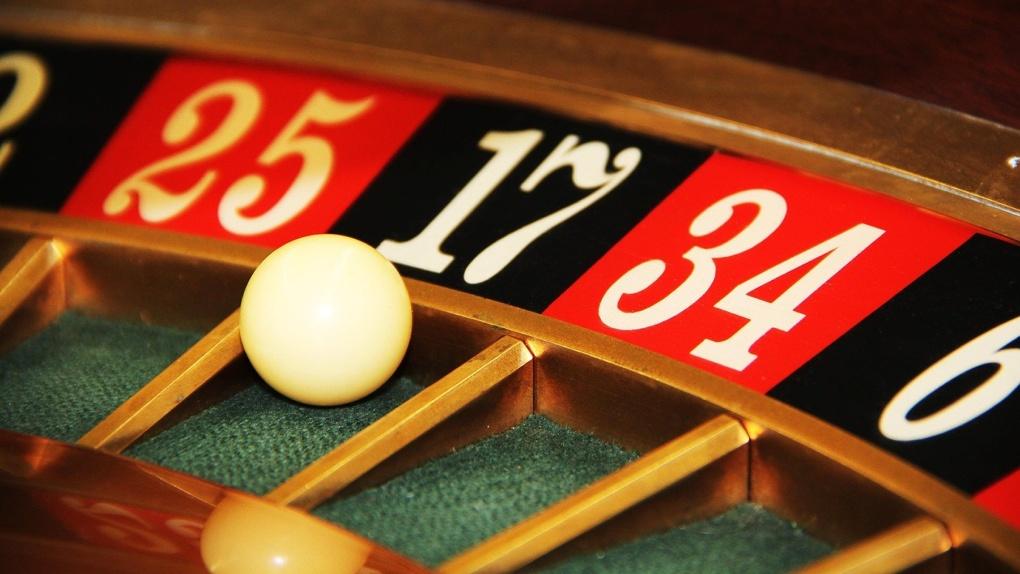 16 новосибирцев ответят в суде за организацию 10 круглосуточных казино
