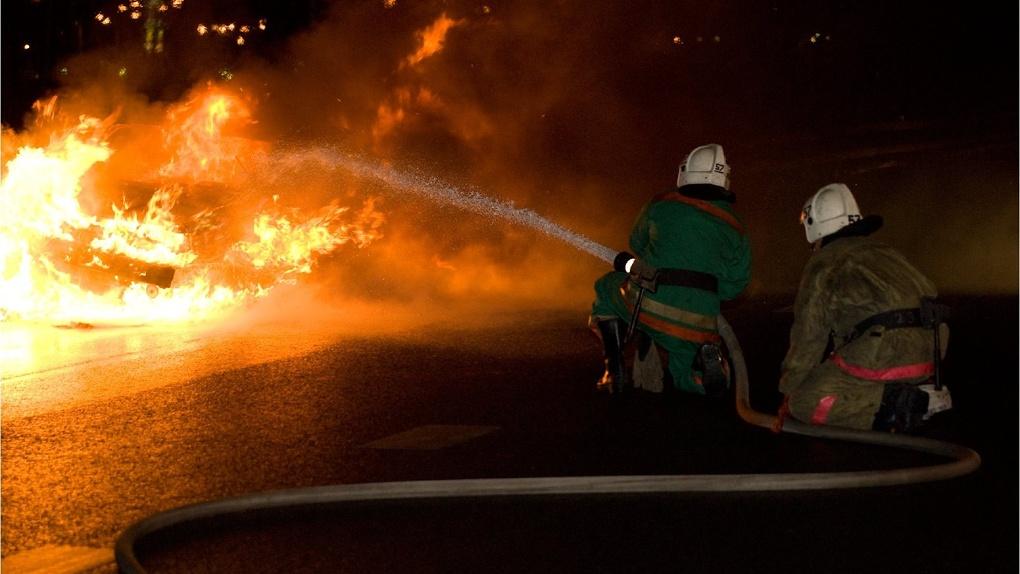 В Омске ночью горел супермаркет «Победа»