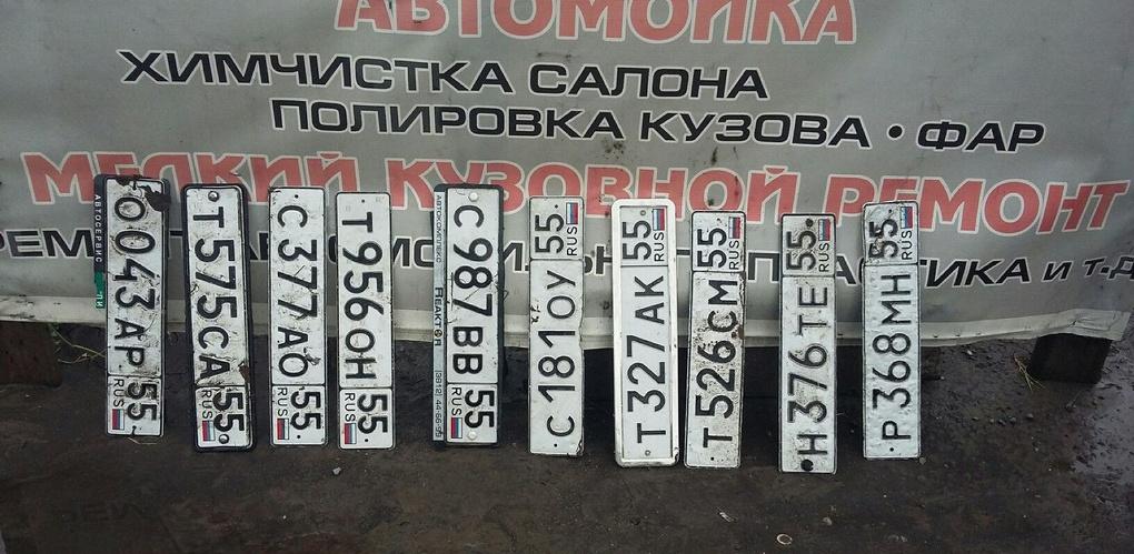 Во время ливня омские автомобилисты массово теряли номера