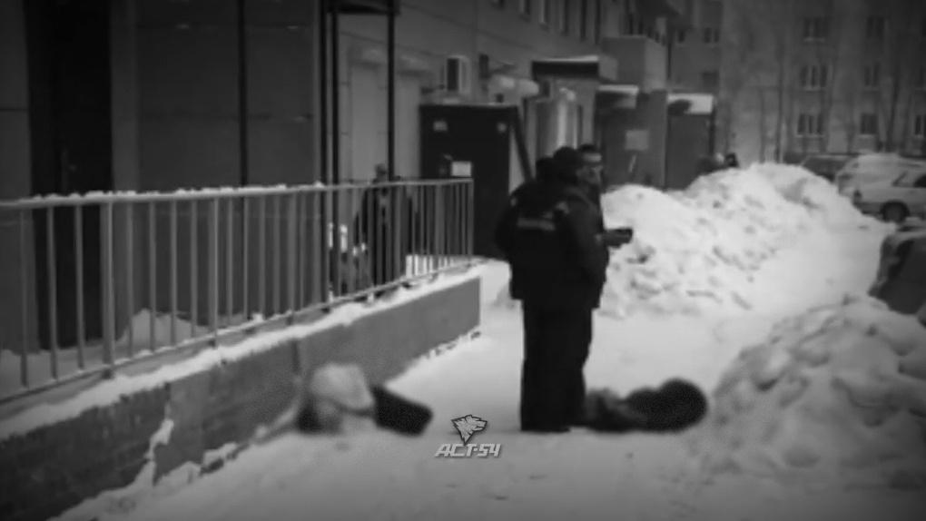 Две девочки выпали с высоты 16 этажа в Новосибирске
