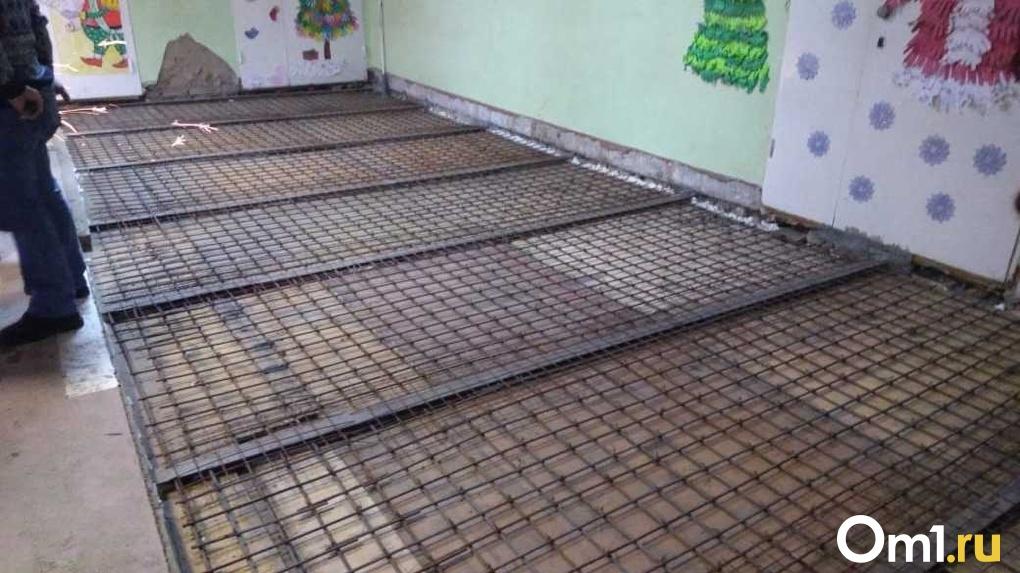 Родители омских школьников боятся обрушения потолка в гимназии из-за дешевого ремонта