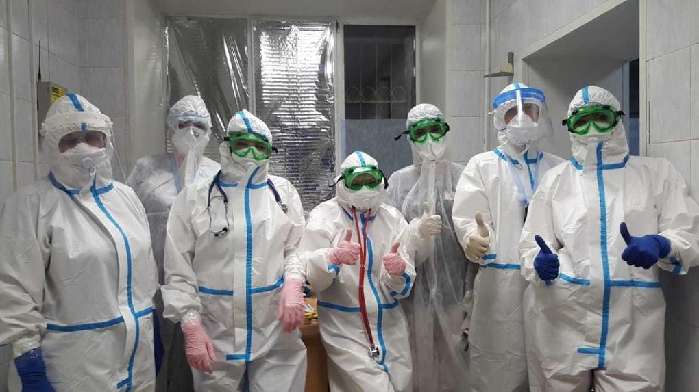 Врачи омской больницы, где лечат больных коронавирусом, рассказали о 40 новых пациентах