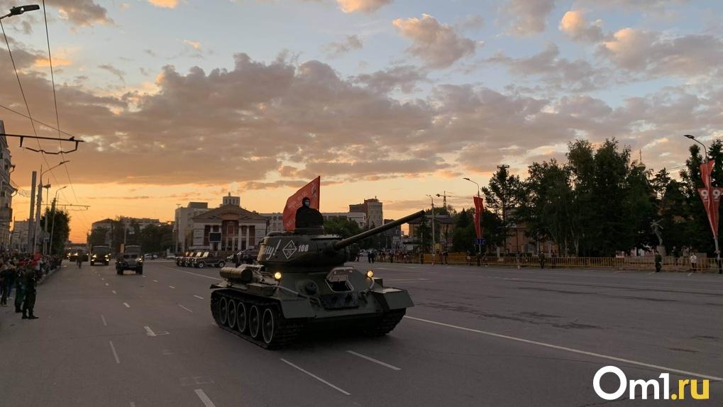 В Омске прошла генеральная репетиция парада Победы. Фото