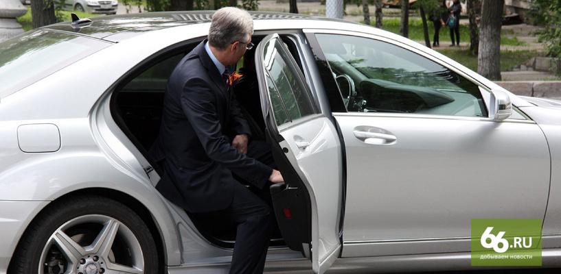 Выросла, несмотря на кризис: Росстат раскрыл среднюю зарплату чиновников