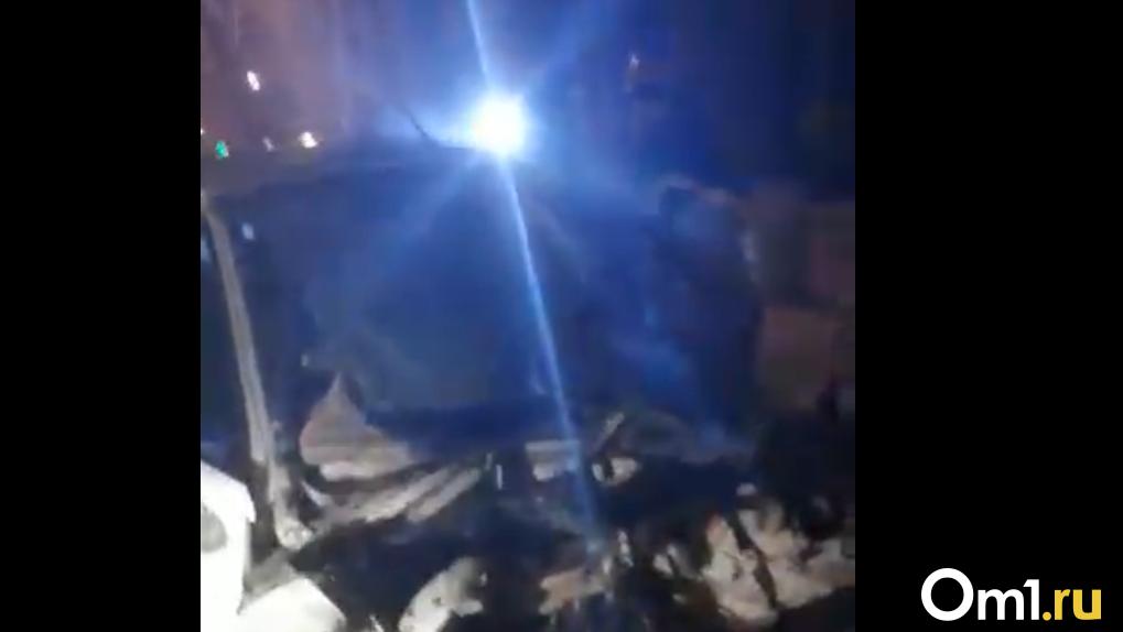 Мгновенная смерть. Появилось видео смертельного ДТП на Красном Пути, где погибли двое молодых омичей