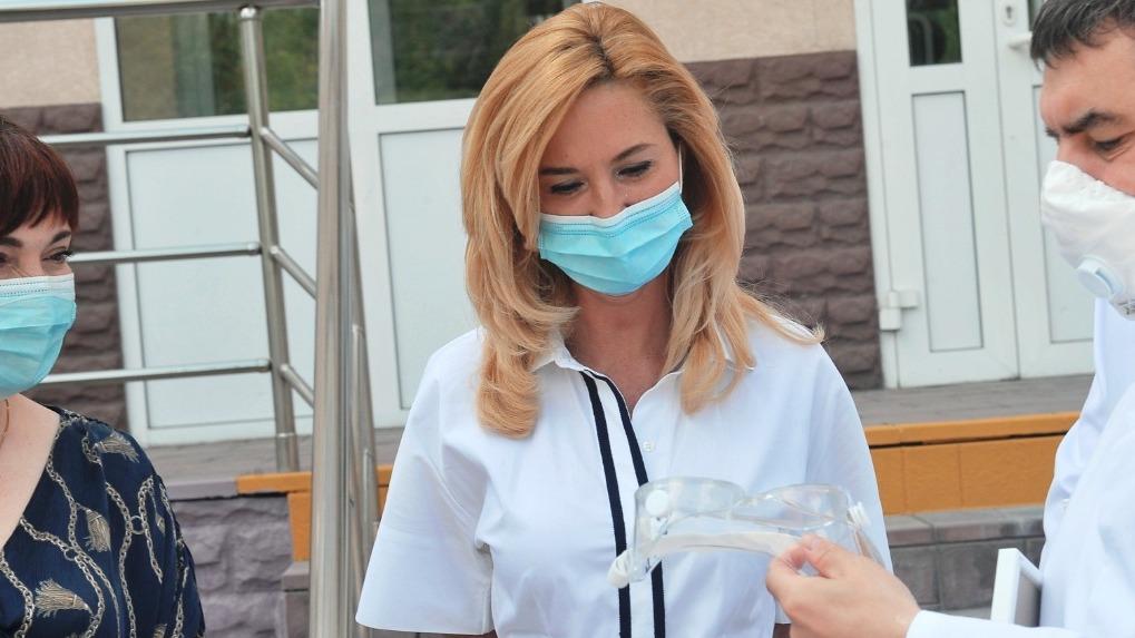 Ирина Солдатова озвучила дату, когда в Омске могут начать снимать ограничения