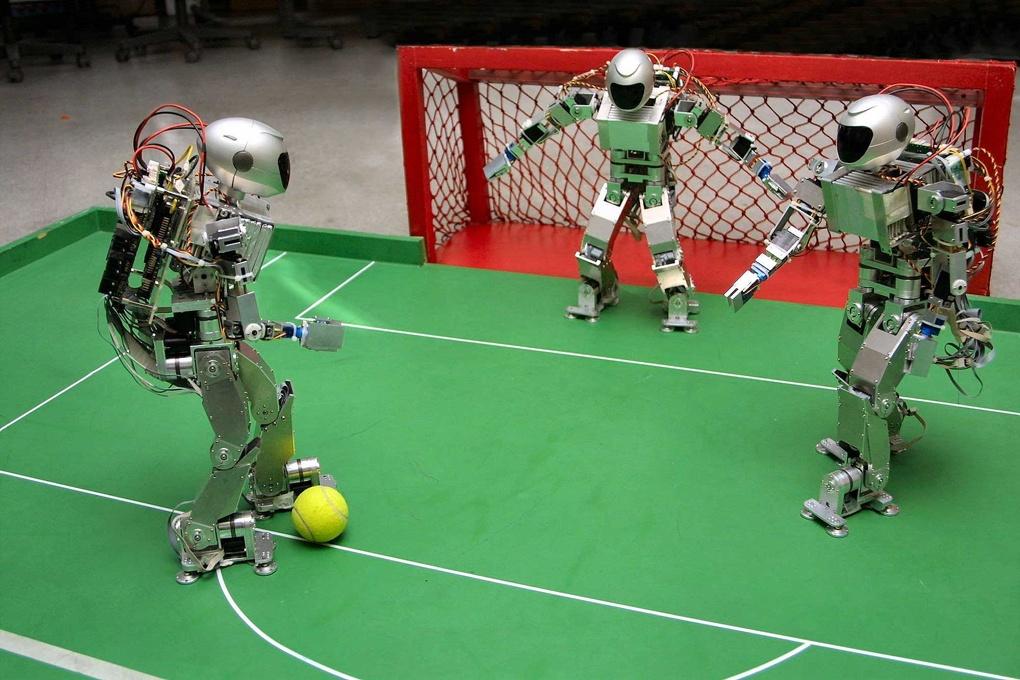 Сибирские роботы-футболисты отправятся на олимпиаду в Катар