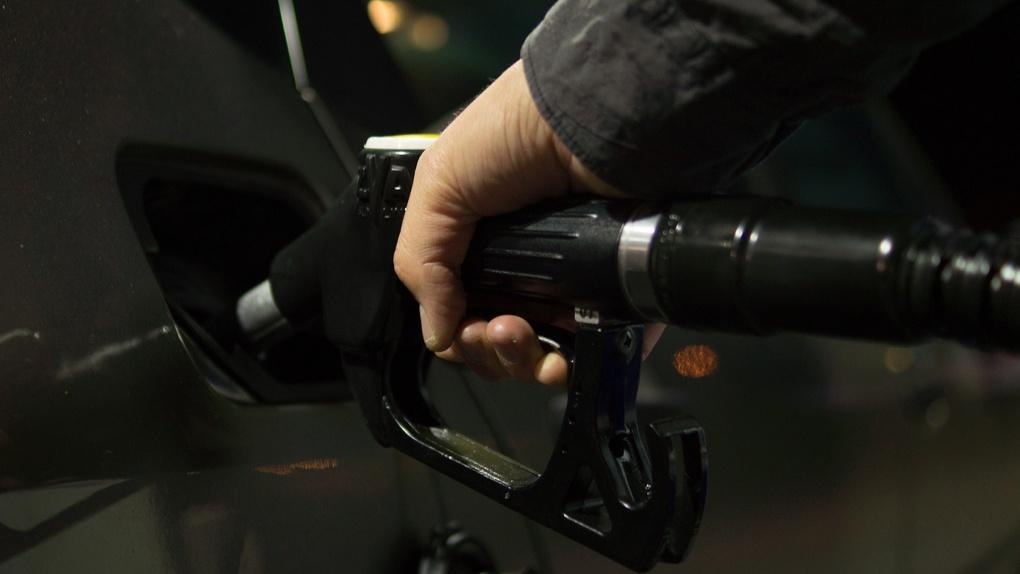 В Омске вновь скакнули вверх цены на топливо