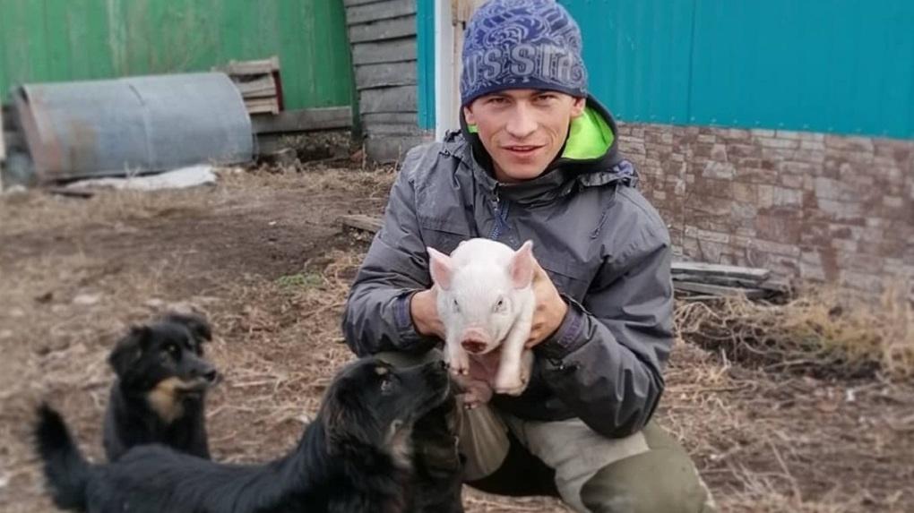Омский замминистра хочет лично доказать «тиктокеру с берёзы», что связь в его селе работает нормально